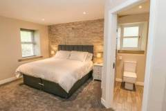 Bedroom with double bed which can be split into 2 singles